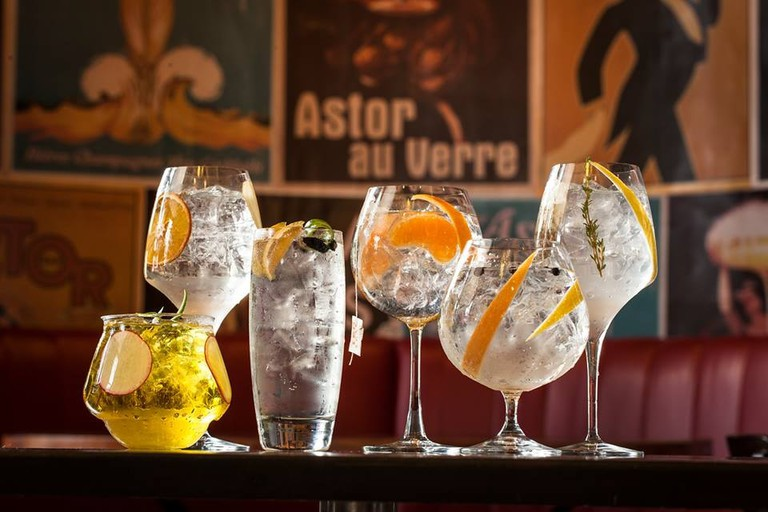 Drinks at Bar Astor