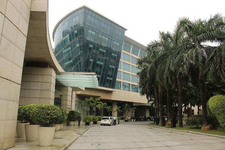 Hyatt_Regency,_Mumbai,_Maharashtra,_daytime,_front_facade