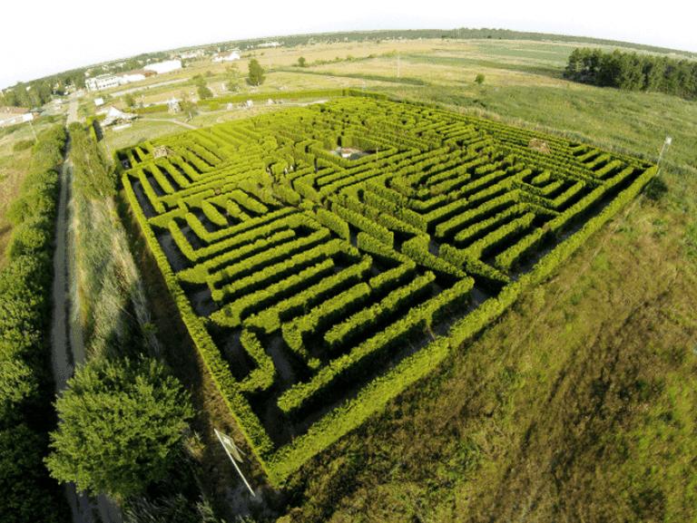 Labyrinth Park Leba