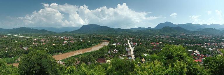 Luang Prabang and Chom Pet | © Benh LIEU SONG/WikiCommons