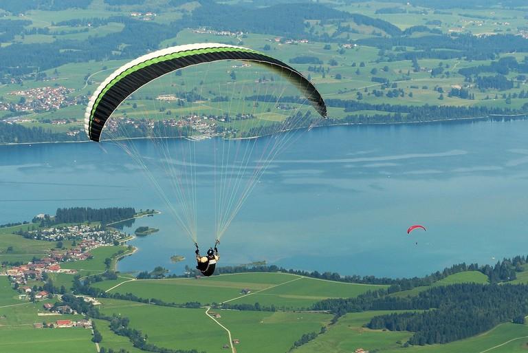paraglider-1644990_1280