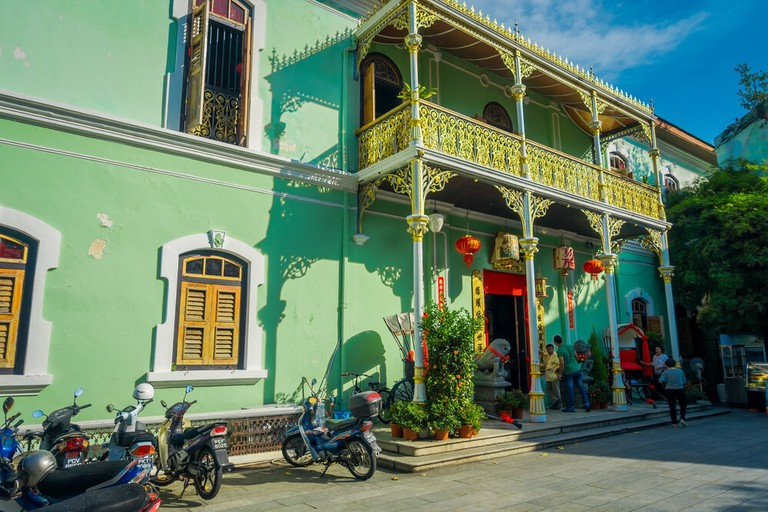 Pinang Peranakan Mansion, also known as the 'Green Mansion', in Penang, Malaysia | © Fotos593 / Shutterstock