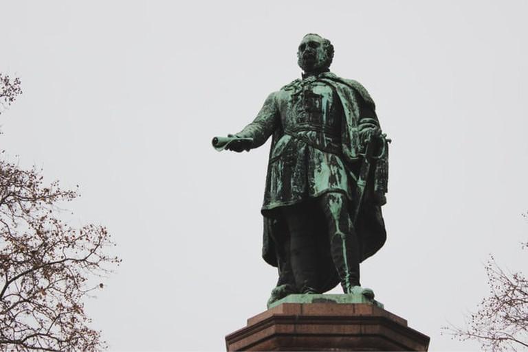 szechenyi-budapest-statue