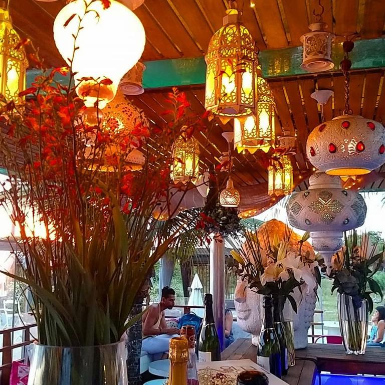 YNDÚ Beach Lounge in Leblon