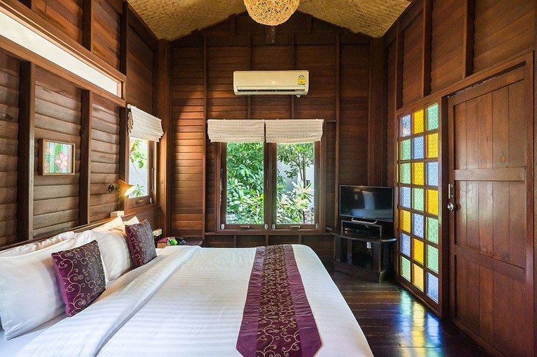 Guest room at Cocohut Beach Resort & Spa