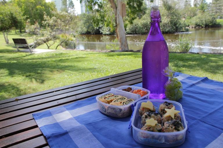 Throw a picnic | © Chloe Lim/Flickr