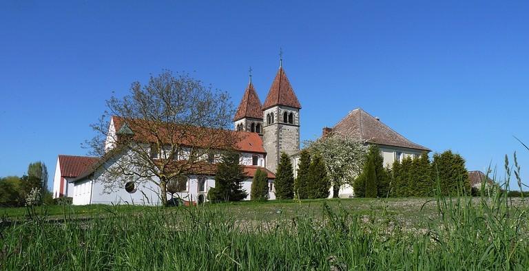 church-1346943_960_720