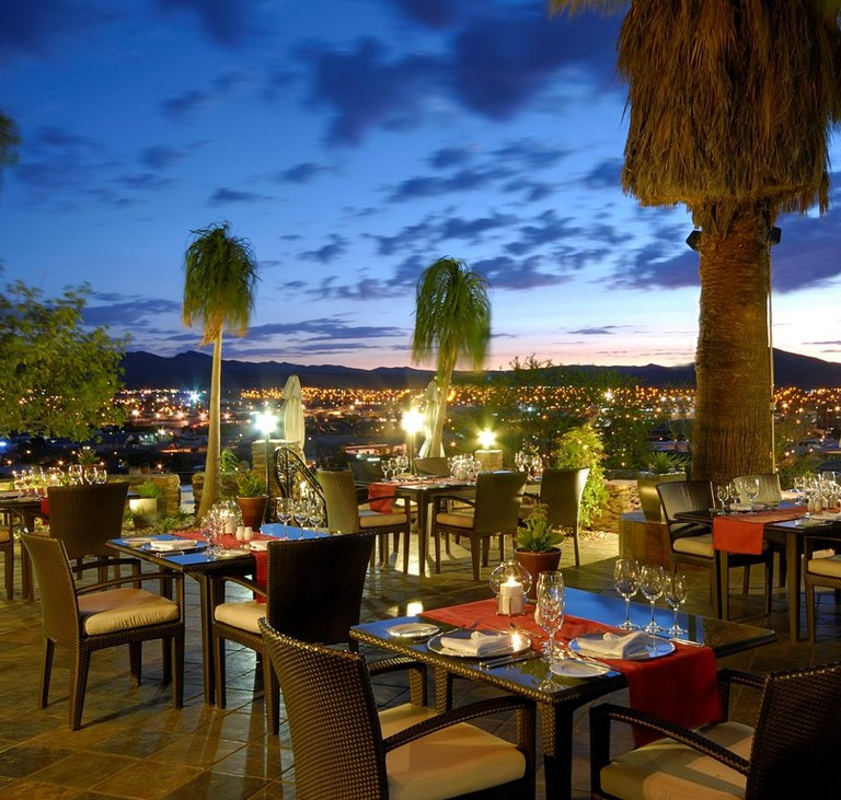 Heinitzburg garden terrace