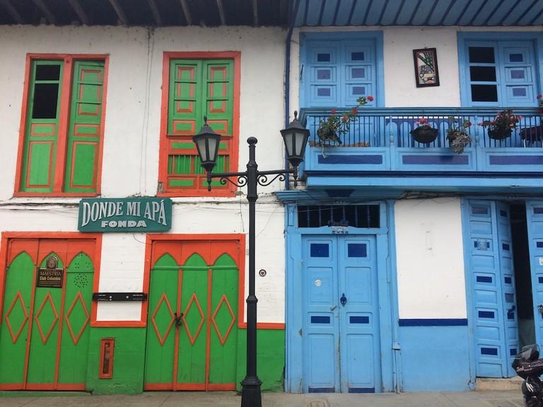 Colourful Donde Mi Apá