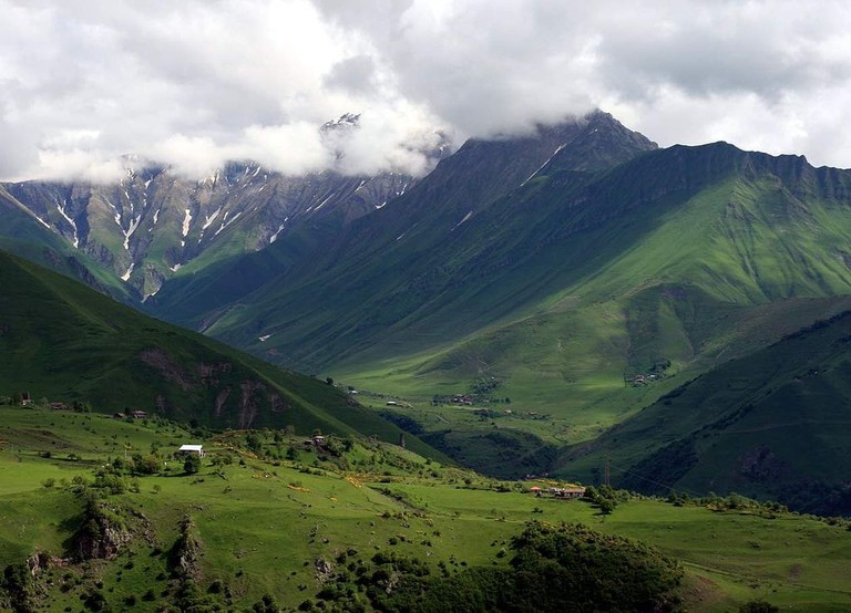 Khada_gorge_as_seen_from_Mt_Lomisi_(Photo_A._Muhranoff,_2011)