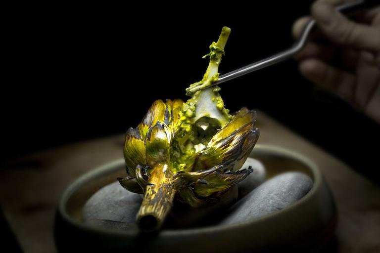 Artichoke with pistachio