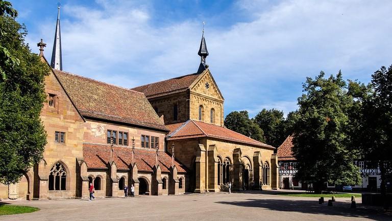 monastery-1920129_960_720