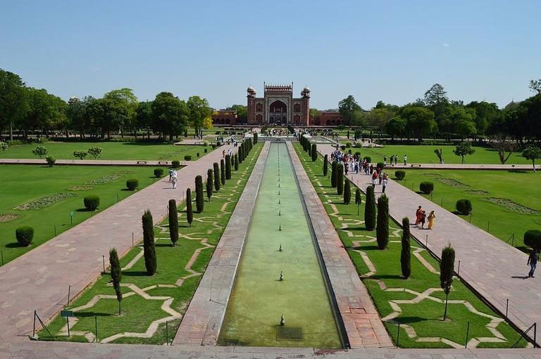 Taj Mahal Garden.v1
