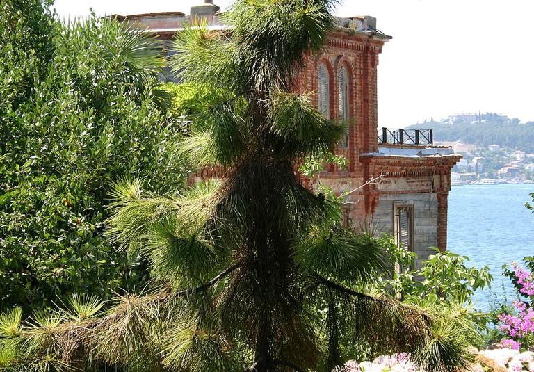 1024px-Trotsky_House_Istanbul