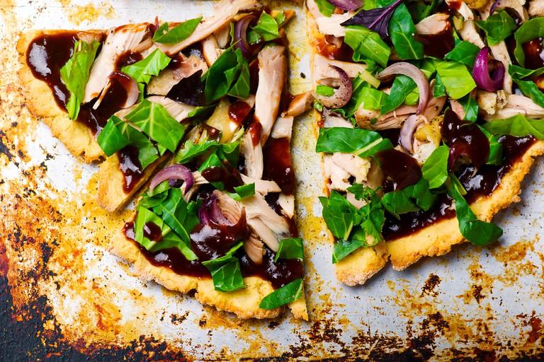 Potato and chicken gluten-free pizza
