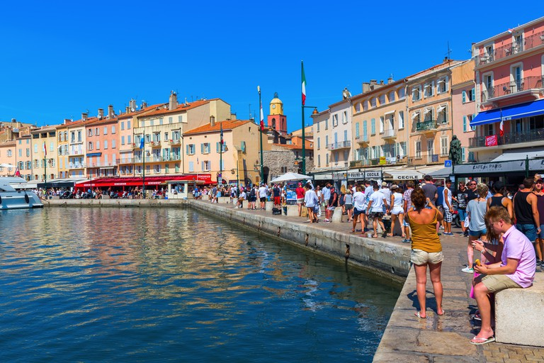 Many of the most popular restaurants are on the quay in St Tropez