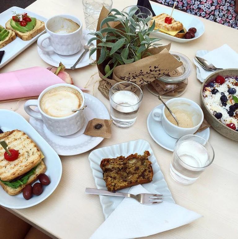 Healthy breakfast at the Barbarella Arkade Bistro