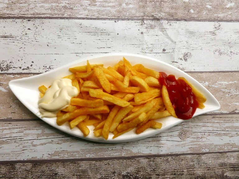 Chips with condiments