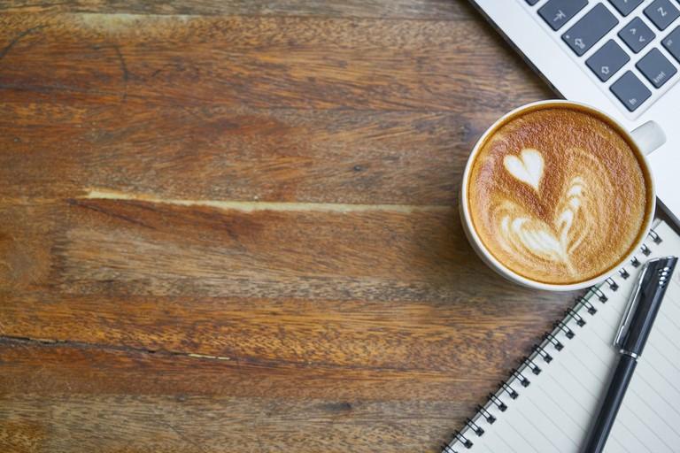 https://pixabay.com/en/coffee-cafe-table-food-drink-work-2242213/