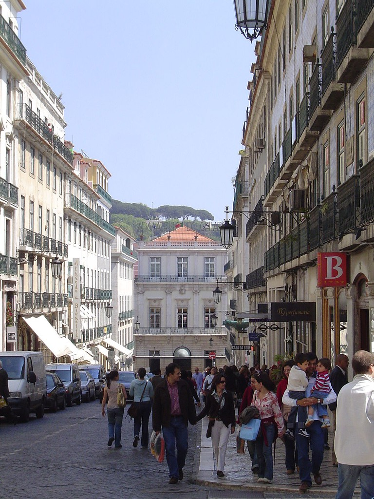 Pastelaria Alcôa is located in Rua Garrett, a popular street in downtown Lisbon