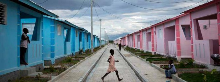 Damon Winter, from Pictures of the Year International - with Rosanna Ricci in Haiti