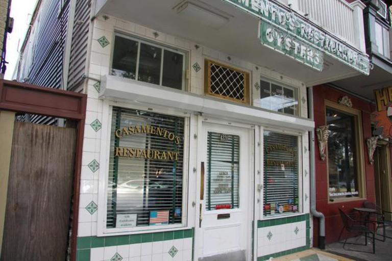 Exterior of Casamento's