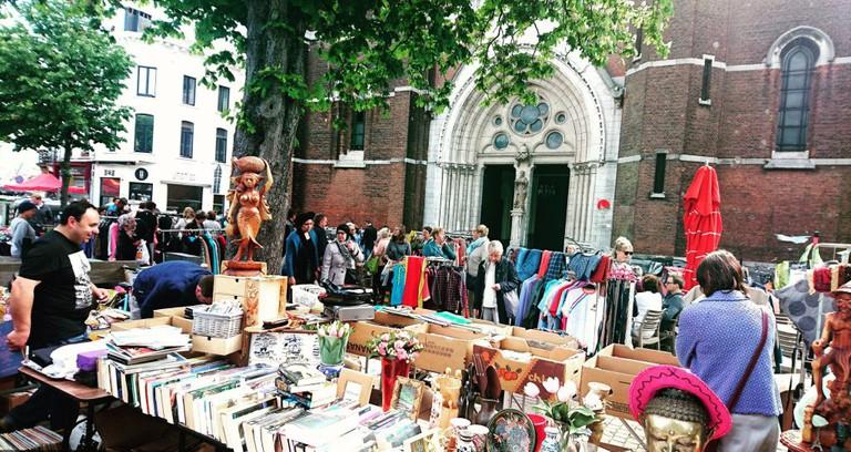 The flea market on the Dageraadplaats