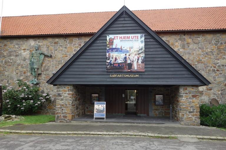 Der Eingang ins Sjøfartsmuseum/Schifffahrtsmuseum