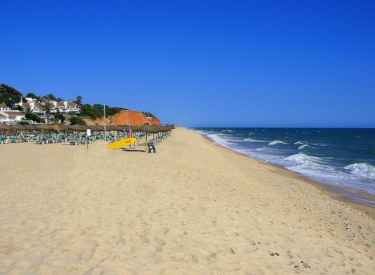 Vale do Lobo Beach is the beautiful background for a view of these beach bars