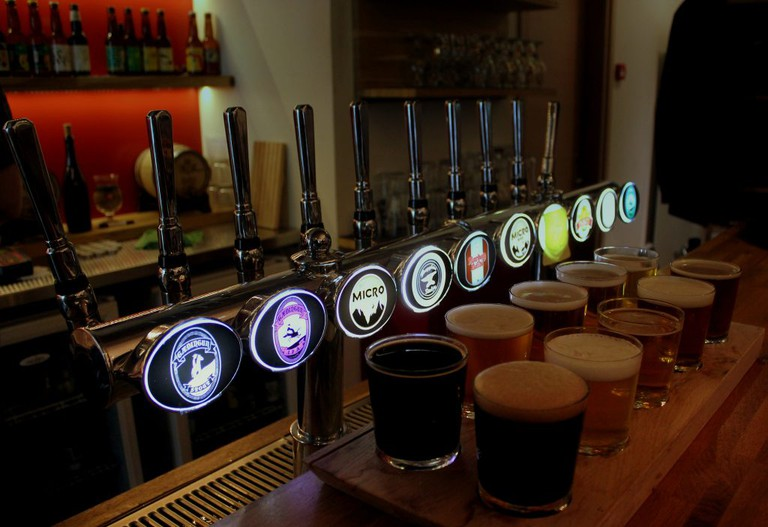 Taster set of 10 beers at Microbar