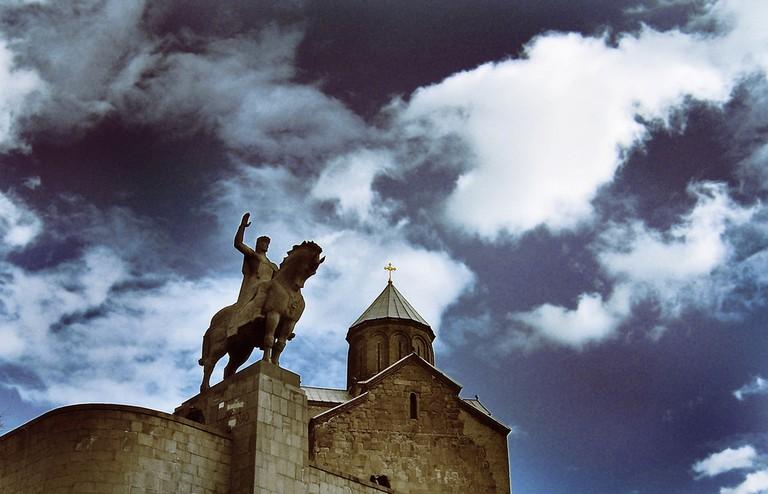 Metekhi Church and Statue of the King Vakhtang