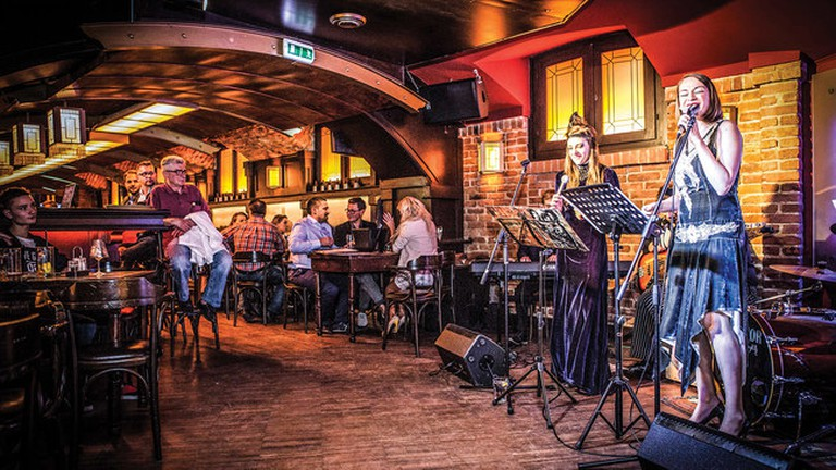 Fat Mo's Music Pub Restaurant, Budapest