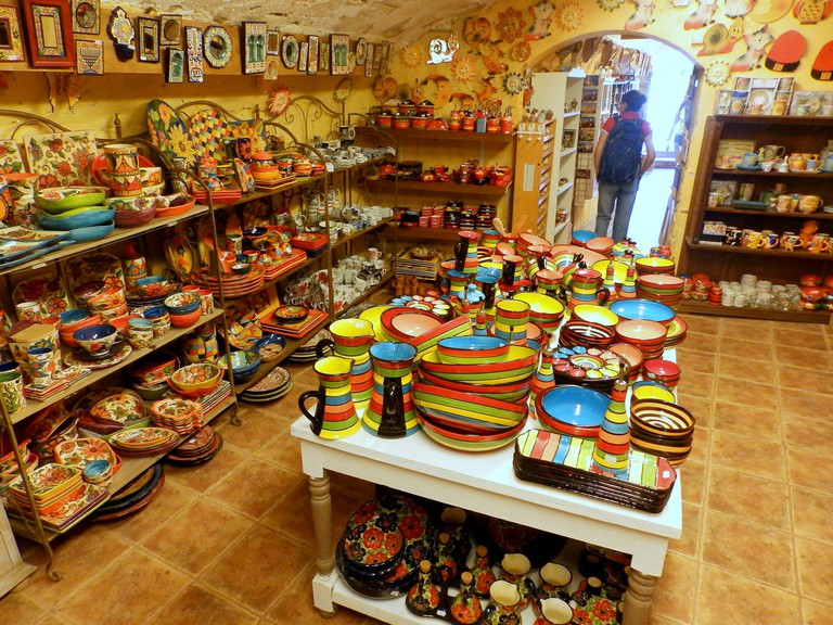 Discover local handicrafts