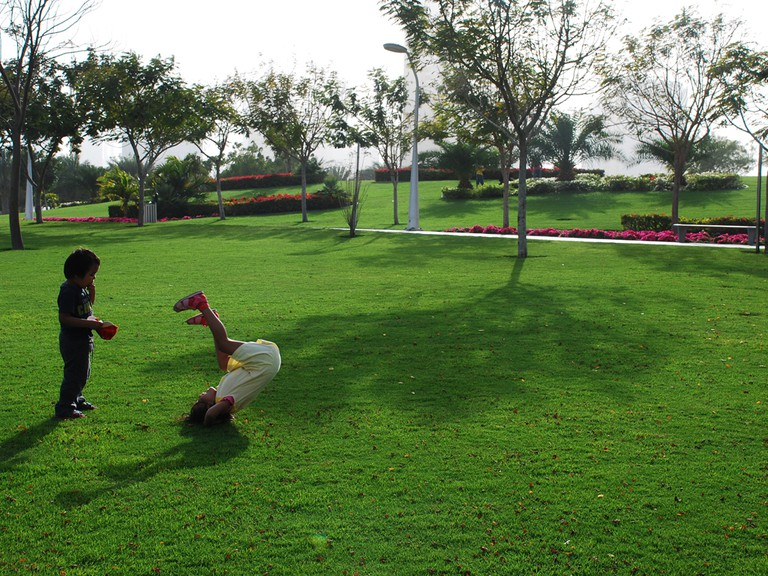 Zabeel Park on a bright and sunny weekend