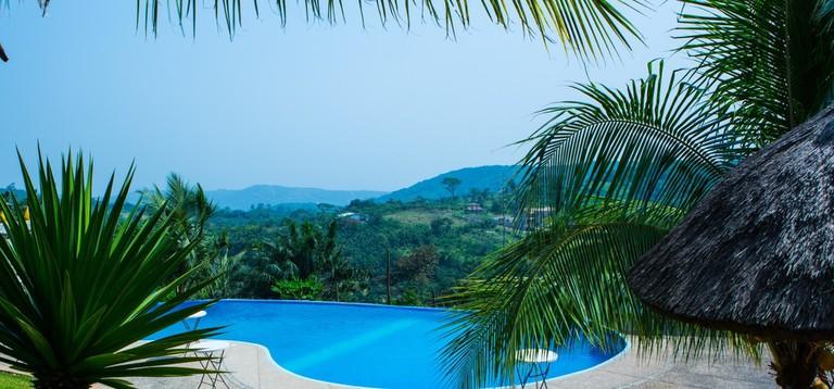 Pool and views at Hillburi