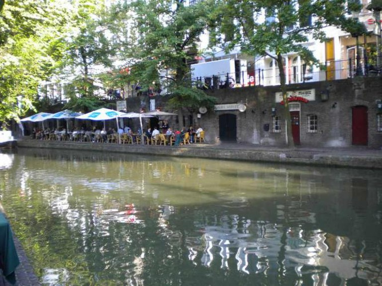 Restaurants on the canal