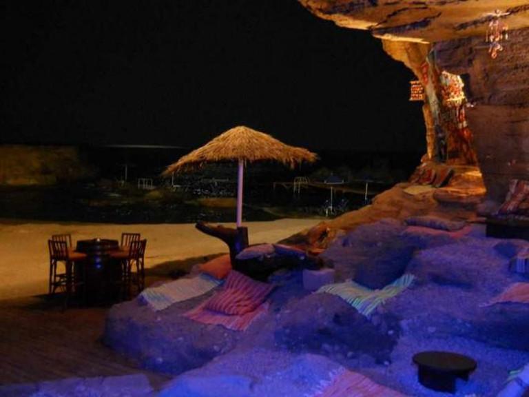 Relaxing setting of Oasis Beach Bar