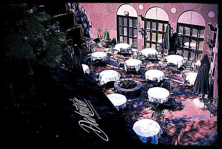 Dakota's Steakhouse Restaurant