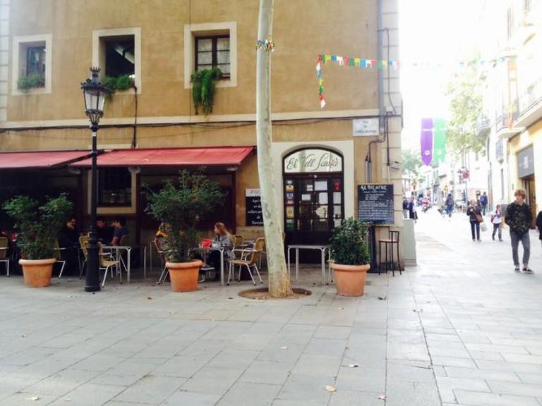 El Vell Sarrià on Plaza de la Villa