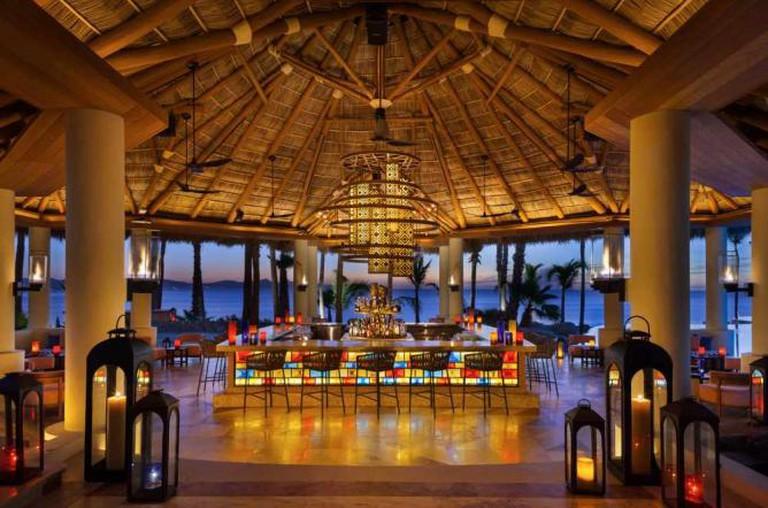 The sleek central bar