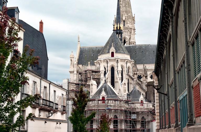 L'église Saint-Nicolas depuis la rue Cacault