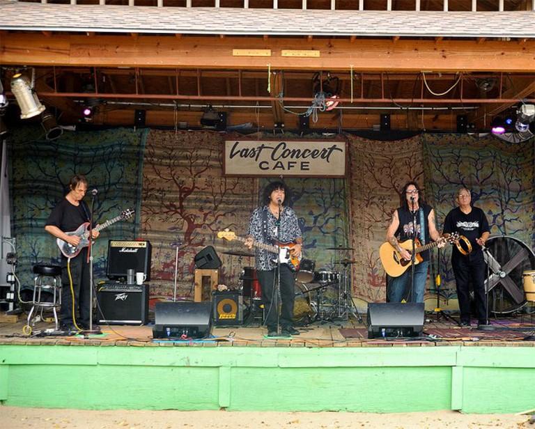 Last Concert Café