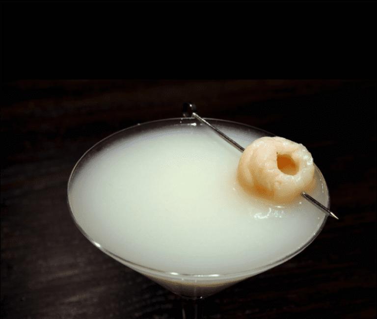 Sake Bar Decibel stocks over 75 types of sake