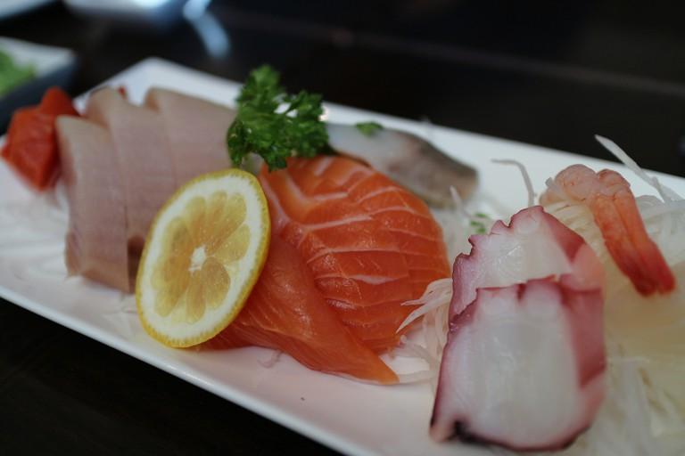 Momo Sushi - Assorted Sashimi