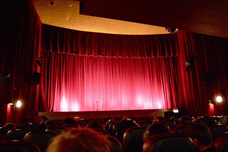 Aragó Cinema, Avinguda del Port
