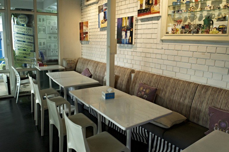Inside OH Cafe'