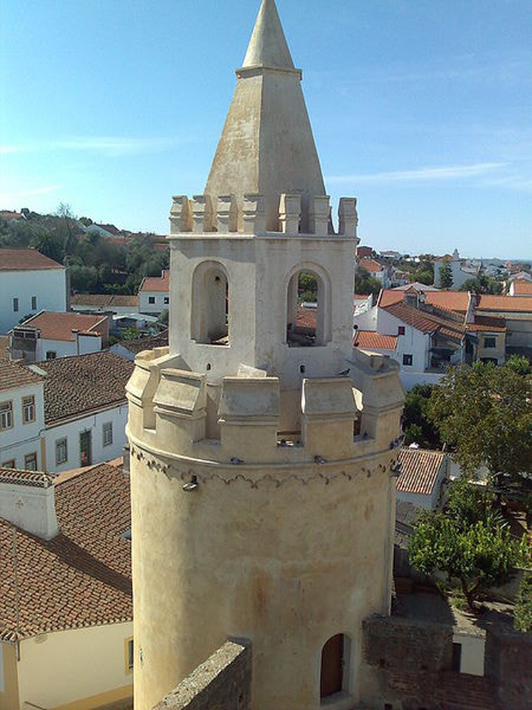 Castle of Viana do Alentejo © Tagido / WikiCommons