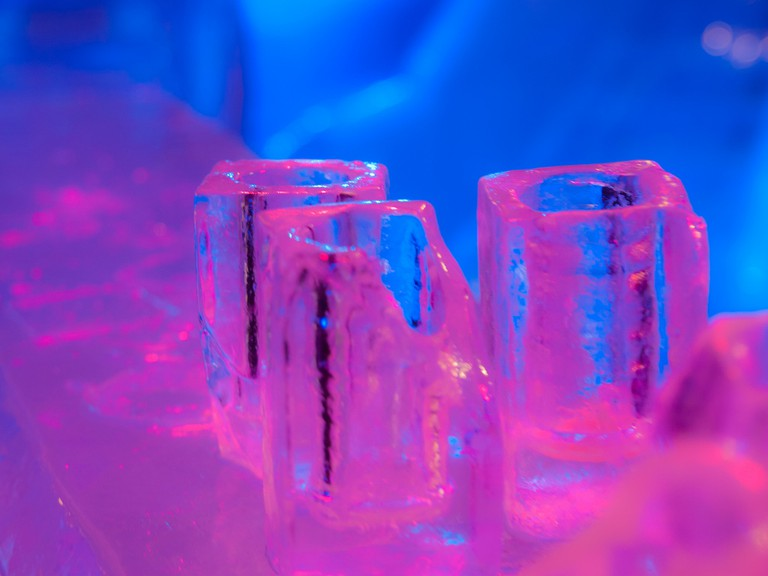 Ice glasses