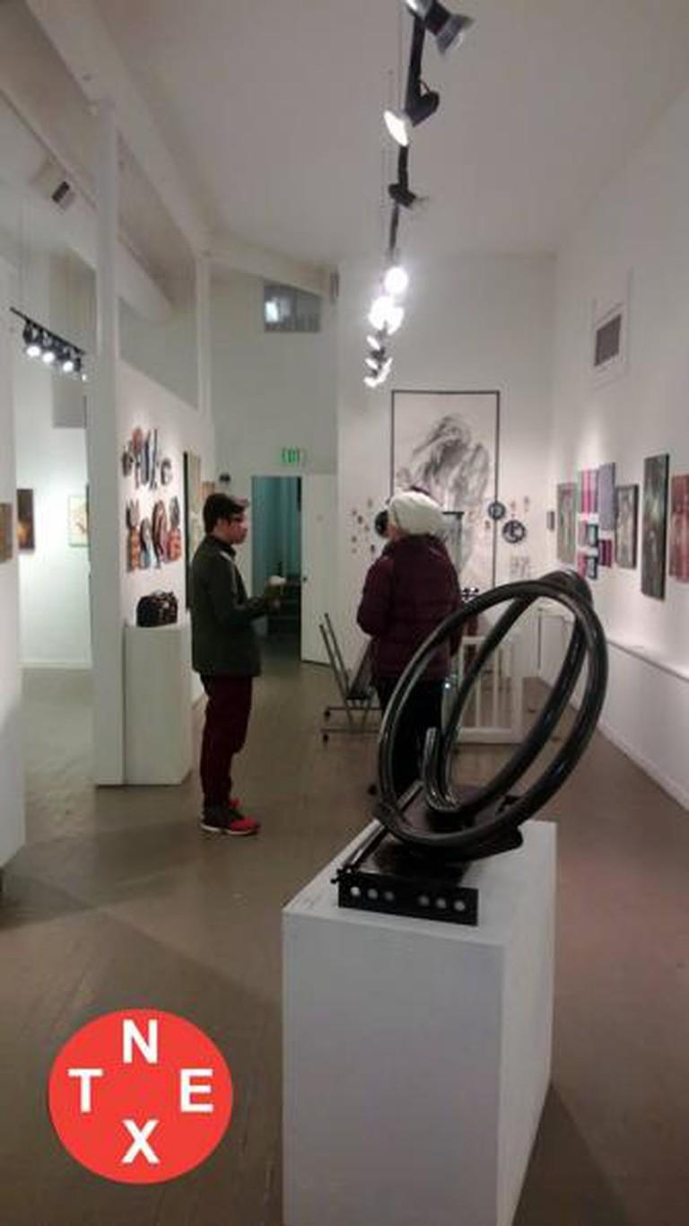 56-292065-next-gallery