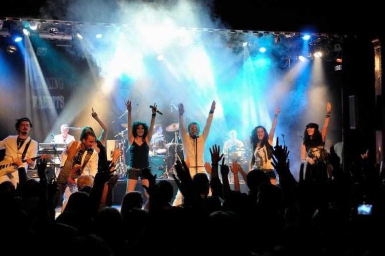 Performance at Luz de Gas, courtesy of club